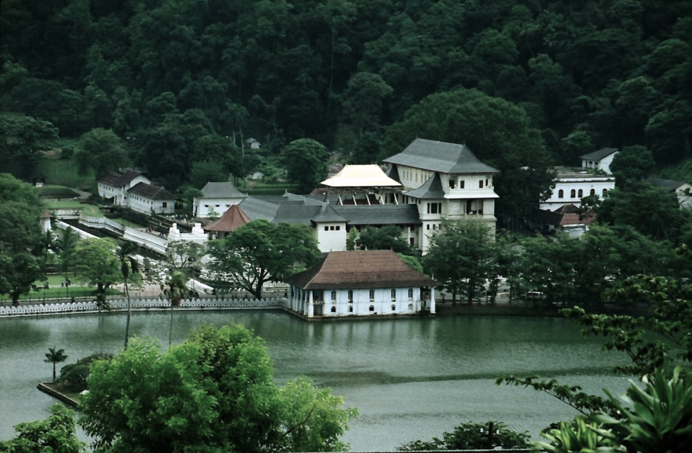 109 - Temple of the tooth Kandy