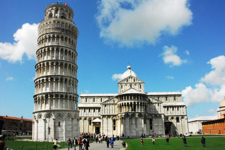 The leaning tower - Pisa