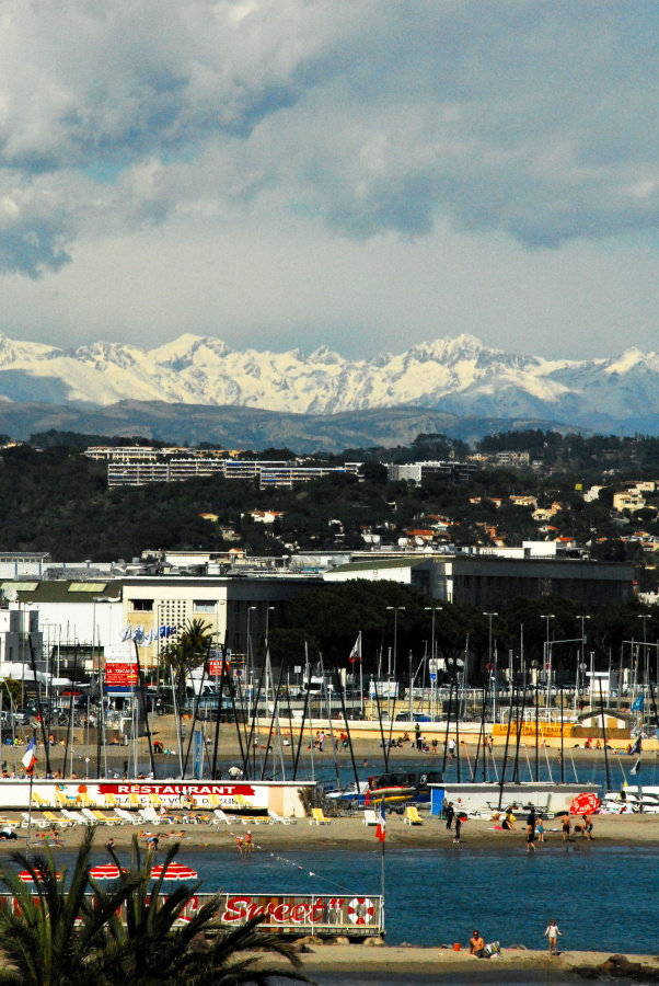 1276 - Cannes from hotel