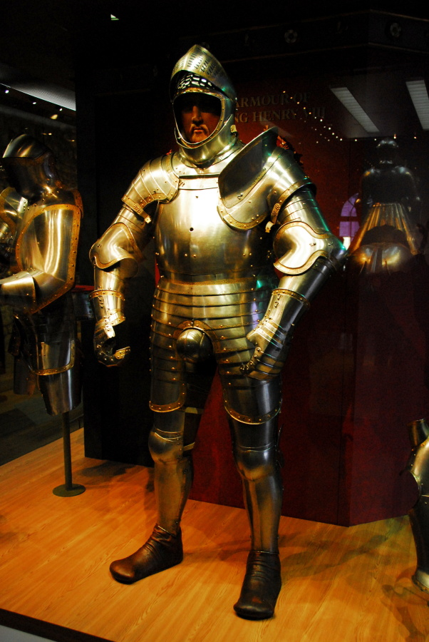 129 - The Tower of London Henry's armour
