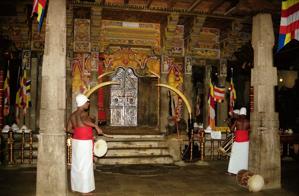 156 - Temple of the tooth Kandy
