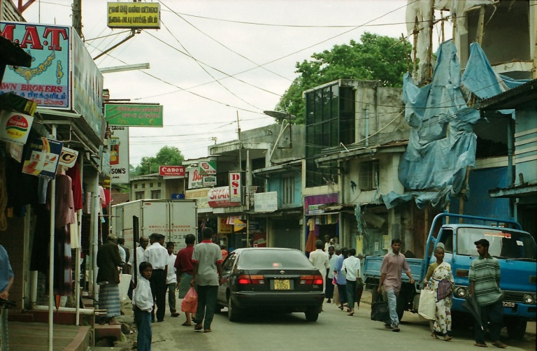 179 - Sri lankan country town
