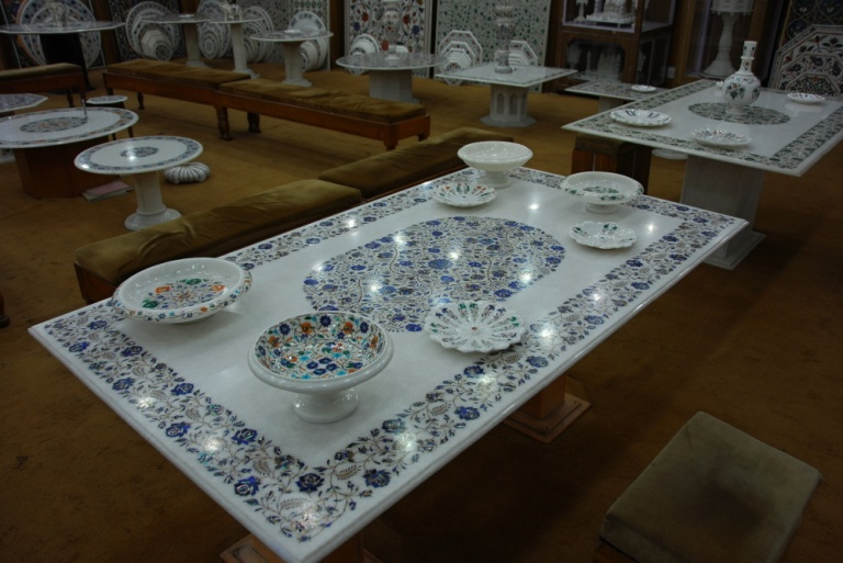 322 - Marble table Agra