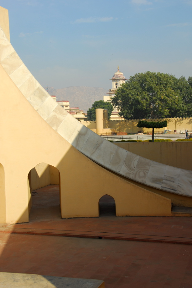 498 - World biggest sun dial Jaipur Rajasthan