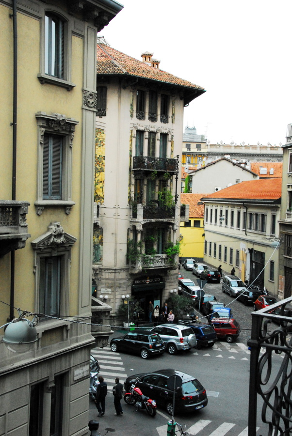 780 - Out the hotel window Milan.