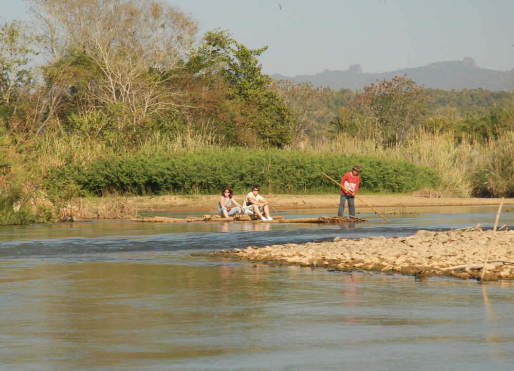 T359 - Rafting on the Ping River