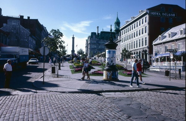 12-39 - Montreal Canada