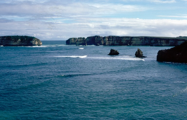 2-90-12-apostles-great-ocean-road